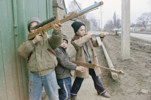 Russia C  Chechnya  Breakaway   People  Children